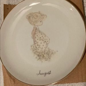 Precious moments August plate with stand